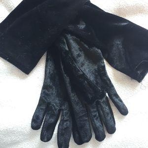 Vintage elbow length velvet gloves